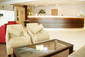 luton off airport hotels