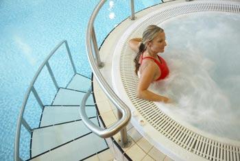 Premier Yew Lodge pool