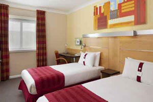 A twin room at the Southampton Holiday Inn Express M27 junction 7