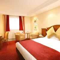 Manchester Airport Inn Room