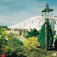 Gatwick Russ Hill hotel